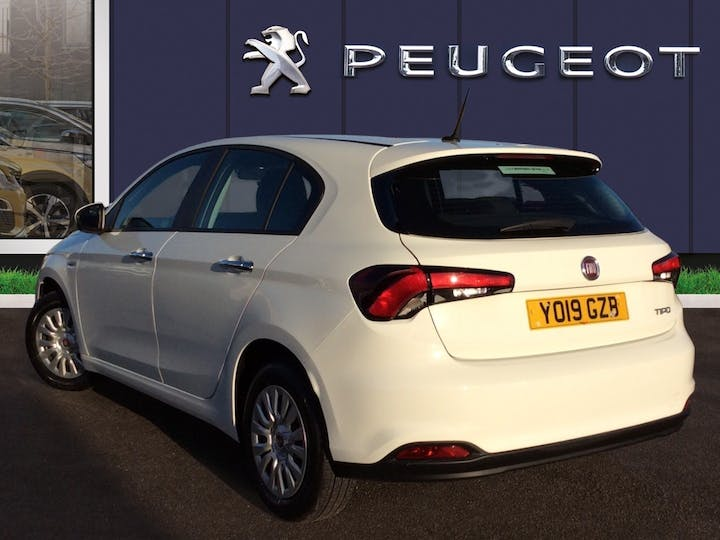 FIAT Tipo 1.4 Mpi Easy Hatchback 5dr Petrol (95 Ps) | YO19GZB | Photo 2
