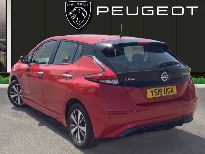 Nissan Leaf 40kwh Acenta Hatchback 5dr Electric Auto (150 Ps) | YS19UGK | Photo 2