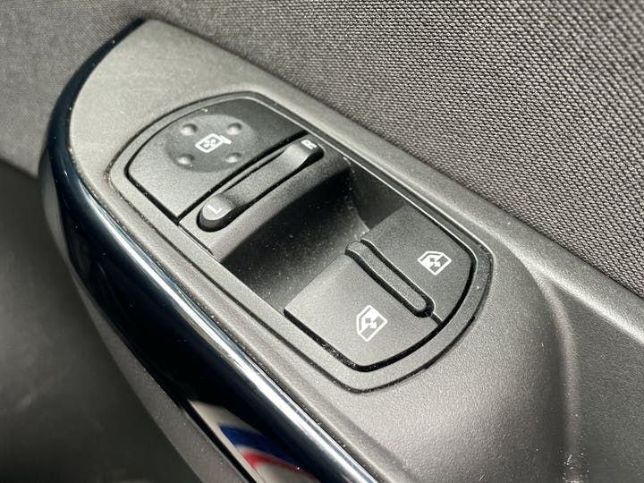 Vauxhall Corsa 1.4i Ecoflex Limited Edition Hatchback 5dr Petrol (90 Ps)   FE18LVG   Photo 20