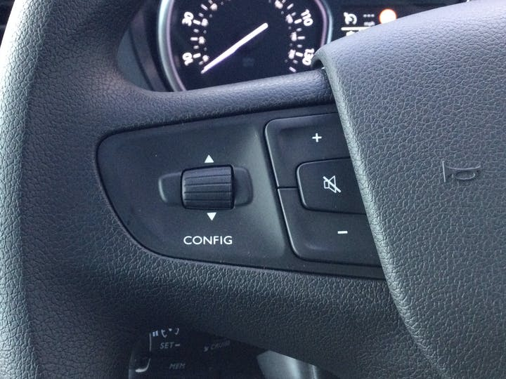 Vauxhall Vivaro 2.0 Turbo D 3100 Elite Crew Van 5dr Diesel Manual L2 H1 Eu6 (s/s) (150PS) | FH70OXE | Photo 20