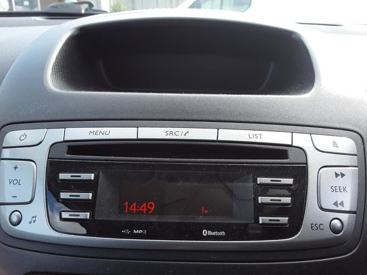 Peugeot 107 1.0 12v Envy Special Edition Hatchback 3dr Petrol Manual (99 G/km, 68 Bhp) | MF63KDK | Photo 20