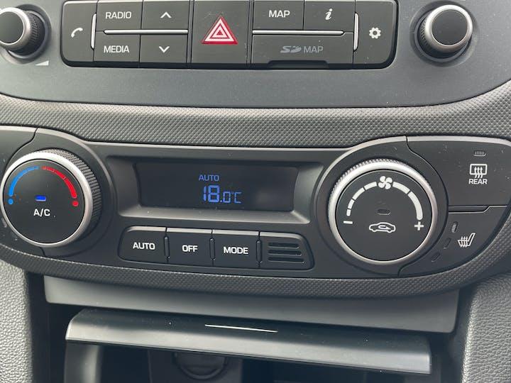 Hyundai i10 1.2 Premium SE Hatchback 5dr Petrol (87 Ps) | MJ67KVC | Photo 20