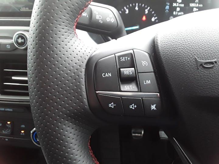 Ford Focus 1.0t Ecoboost St Line Hatchback 5dr Petrol Manual (s/s) (125 Ps)   MM69UHT   Photo 20