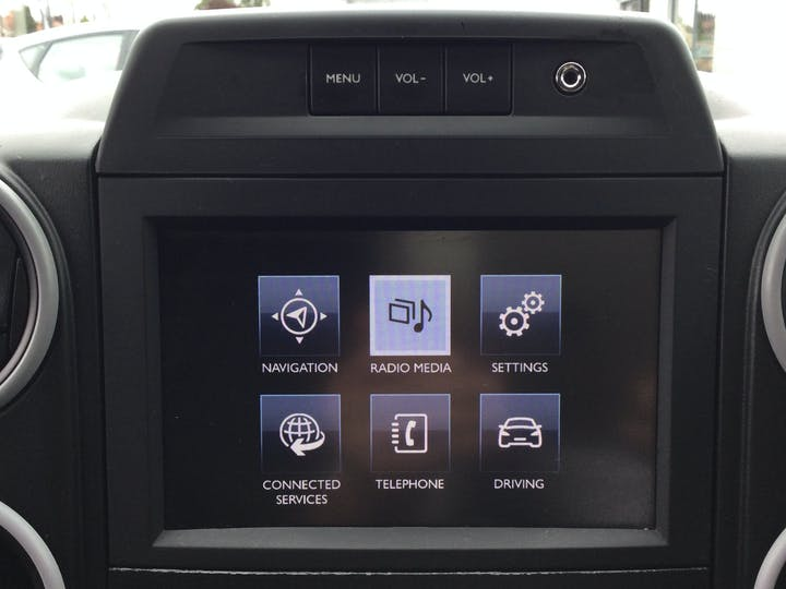 Peugeot Partner 1.6 Bluehdi Professional L1 Panel Van 5dr Diesel Manual SWB (112 G/km, 97.64 Bhp) | LT68AAV | Photo 21