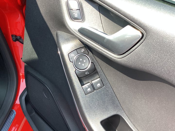 Ford Fiesta 1.0t Ecoboost Titanium Hatchback 5dr Petrol Manual (s/s) (125 Ps) | MA67SVF | Photo 21