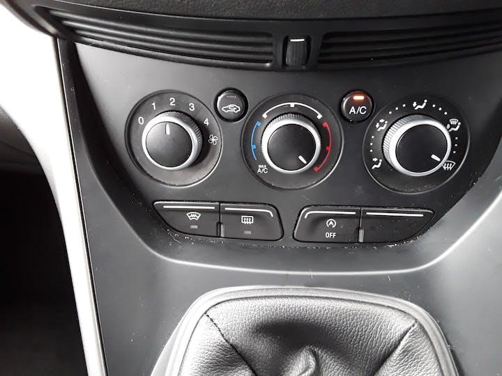 Ford Kuga 1.6 Ecoboost Zetec 5dr 2wd | MK64AEA | Photo 21