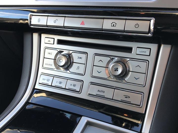 Jaguar XF 3.0 TD V6 S Premium Luxury Saloon 4dr Diesel Automatic (169 G/km, 271 Bhp) | RE11WBK | Photo 21