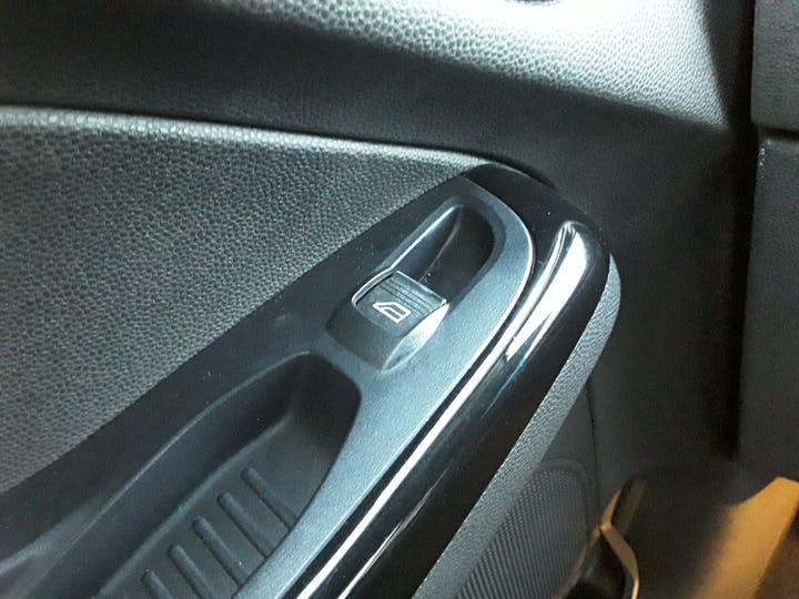 Ford Fiesta 1.0 Ecoboost Zetec 5dr | YG14RHT | Photo 21