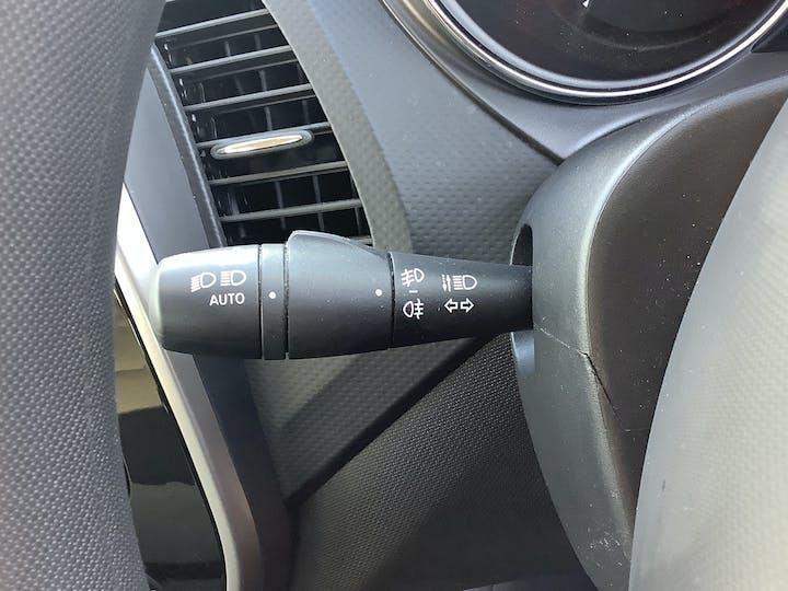 Renault Captur 0.9 Tce Energy Expression + SUV 5dr Petrol Manual (s/s) (114 G/km, 90 Bhp) | AU16LKO | Photo 22