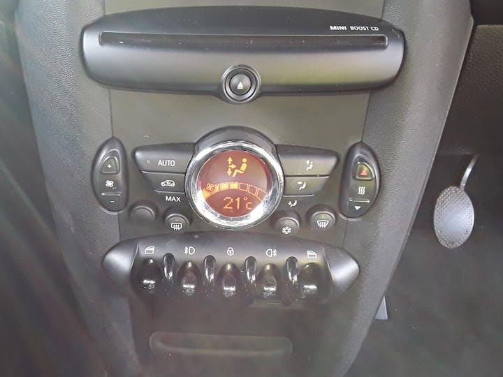 MINI Hatch 1.6 Cooper Soho Hatchback 3dr Petrol Manual (127 G/km, 122 Bhp)   BV61ODK   Photo 22