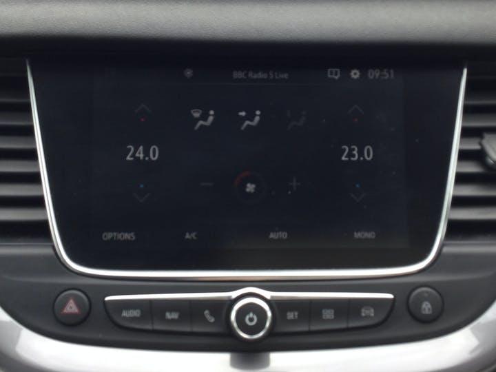 Vauxhall Grandland X 1.2 Turbo SRi Nav SUV 5dr Petrol Manual (s/s) (130 Ps)   DT69YAW   Photo 22