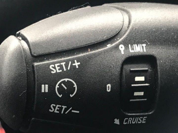 Peugeot 2008 1.6 Bluehdi Allure Premium SUV 5dr Diesel (100 Ps)   FV18NZS   Photo 22