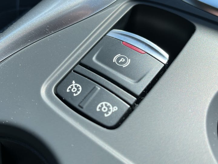 Renault Kadjar 1.3 Tce S Edition SUV 5dr Petrol Edc (s/s) (140 Ps)   FV21GKP   Photo 22