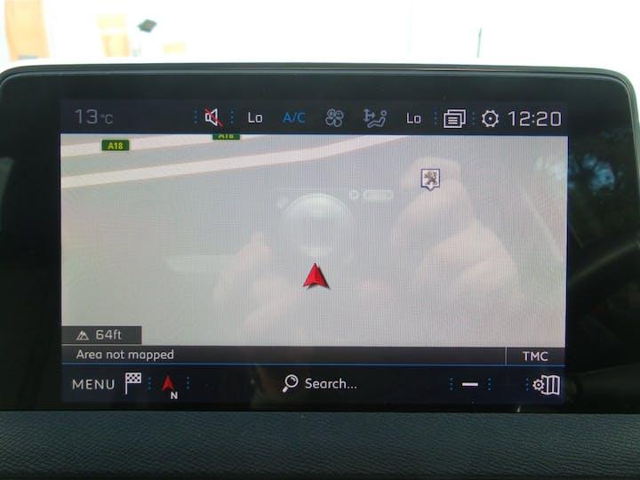 Peugeot 3008 1.2 Puretech Allure SUV 5dr Petrol (s/s) (130 Ps) | FY67GWE | Photo 22