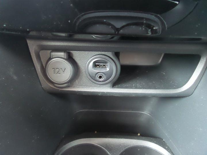 Peugeot 2008 1.2 Puretech Allure SUV 5dr Petrol Eat (s/s) (110 Ps) | FY68HVP | Photo 22