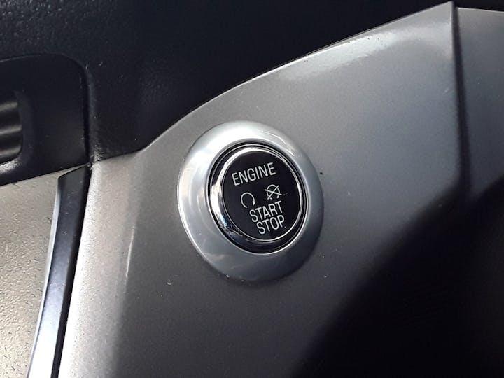 Ford Kuga 2.0 TDCi Zetec SUV 5dr Diesel Manual (139 G/km, 138 Bhp) | ML64DCO | Photo 22