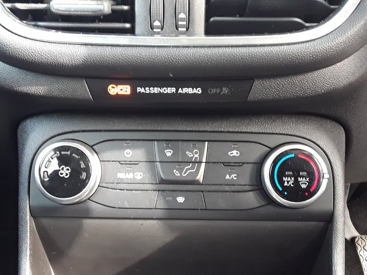 Ford Fiesta 1.0t Ecoboost Zetec Hatchback 5dr Petrol Manual (s/s) (100 Ps) | MM67VKN | Photo 22