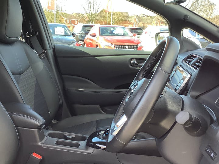 Nissan Leaf 40kwh N Connecta Hatchback 5dr Electric Auto (150 Ps) | VU69EOF | Photo 22