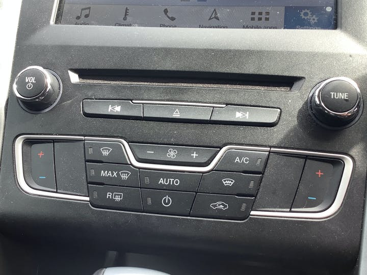 Ford Mondeo 2.0 TDCi St Line Hatchback 5dr Diesel Powershift (s/s) (180 Ps)   WU67VPN   Photo 22
