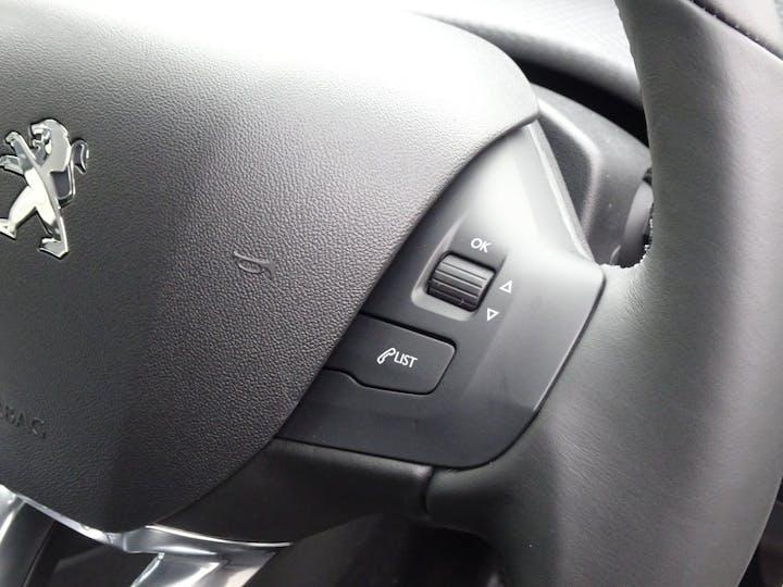 Peugeot 208 1.2 Puretech Active Hatchback 3dr Petrol (82 Ps) | YG17WYV | Photo 22