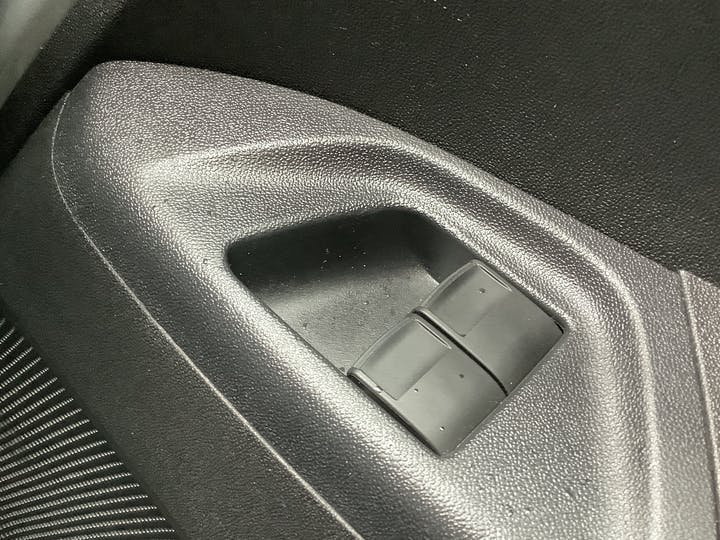 Citroen C1 1.2 Puretech Flair Hatchback 5dr Petrol Manual (82 Ps)   FN18OKW   Photo 23
