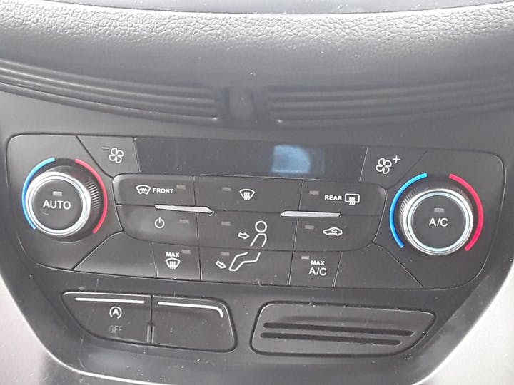 Ford Kuga 1.5 TDCi Titanium 5dr 2wd | MA18MBX | Photo 23