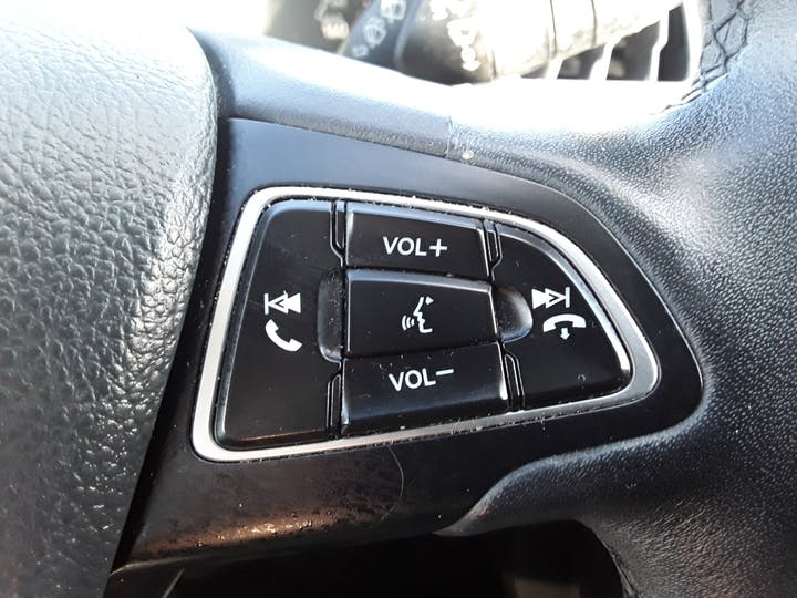 Ford Kuga 2.0 TDCi Titanium SUV 5dr Diesel Manual (s/s) (150 Ps) | MA67HHJ | Photo 23