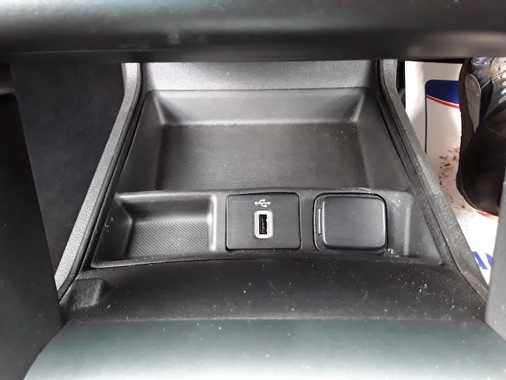Ford Mondeo 2.0 Tivct Titanium Edition Estate 5dr Petrol Hybrid Cvt (s/s) (17 Inch Alloys) (187 Ps)   MF69TWK   Photo 23
