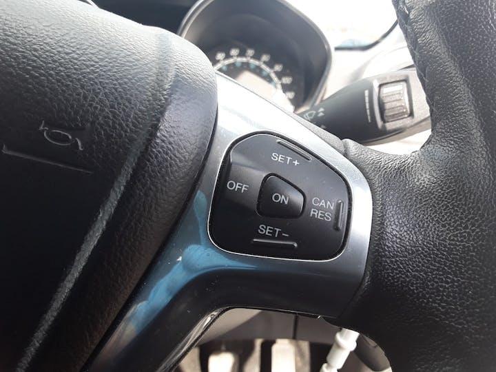 Ford Fiesta 1.0 Ecoboost Titanium Hatchback 5dr Petrol Manual (s/s) (99 G/km, 123 Bhp) | ML64MGV | Photo 23