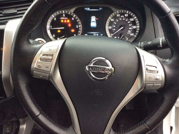 Nissan Navara 2.3 DCi Acenta+ Double Cab Pickup 4dr Diesel Auto 4wd (190 Ps) | NL68YON | Photo 23