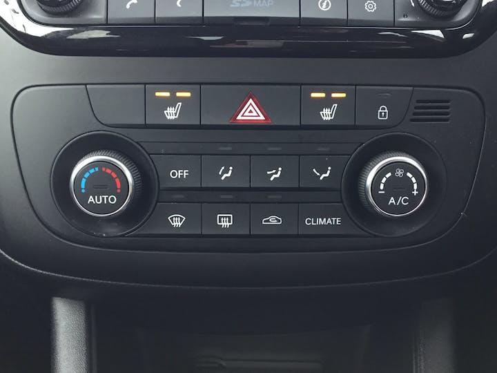 Kia Venga 1.6 3 Mpv 5dr Petrol Auto (123 Bhp) | DL17RRO | Photo 24