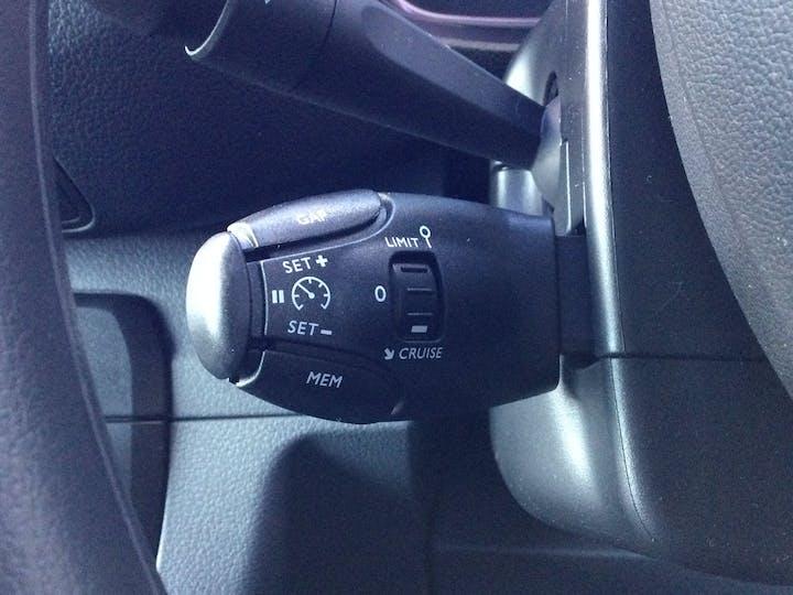 Vauxhall Vivaro 2.0 Turbo D 3100 Elite Crew Van 5dr Diesel Manual L2 H1 Eu6 (s/s) (150PS) | FH70OXE | Photo 24
