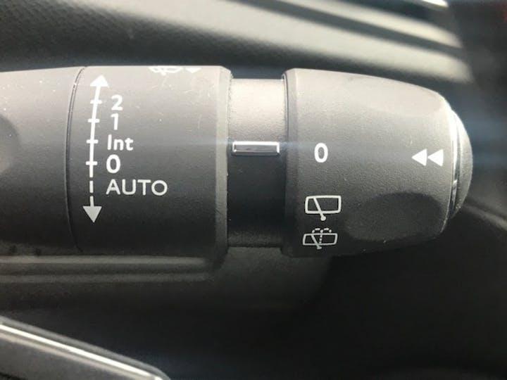 Peugeot 308 1.2 Puretech Tech Edition Hatchback 5dr Petrol Eat (s/s) (130 Ps) | KO69XUE | Photo 24