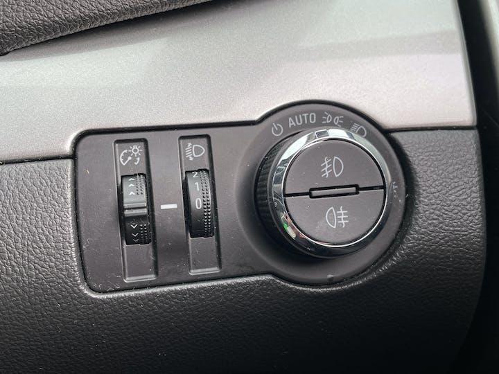 Vauxhall Mokka 1.7 CDTi Ecoflex 16V Exclusiv Hatchback 5dr Diesel Manual FWD (s/s) (120 G/km, 128 Bhp) | LR64OMJ | Photo 24