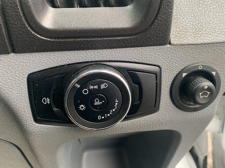 Ford Transit 2.0 350 Ecoblue Dropside 2dr Diesel Manual Rwd L4 H1 Eu6 (130 Ps) | LV67HKP | Photo 24