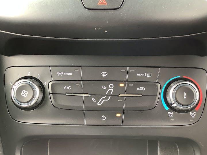 Ford Focus 1.0t Ecoboost St Line Hatchback 5dr Petrol (s/s) (140 Ps)   MF18TDZ   Photo 24