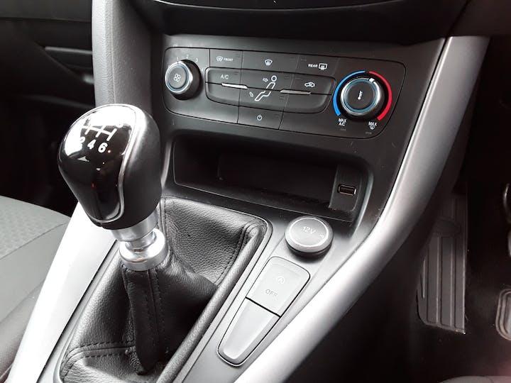 Ford Focus 1.5 TDCi 120PS Zetec Edition 5dr | MJ18EKC | Photo 24