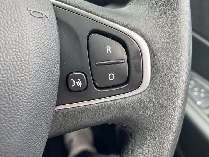 Renault Captur 0.9 Tce Energy Iconic SUV 5dr Petrol (s/s) (90 Ps)   YF68VVB   Photo 24