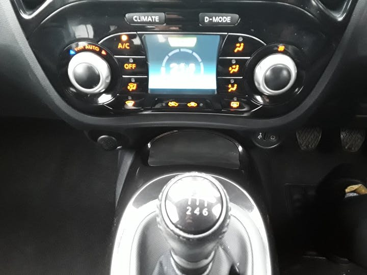 Nissan Juke 1.2 Dig T N Connecta SUV 5dr Petrol (s/s) (115 Ps) | YM16CUJ | Photo 24