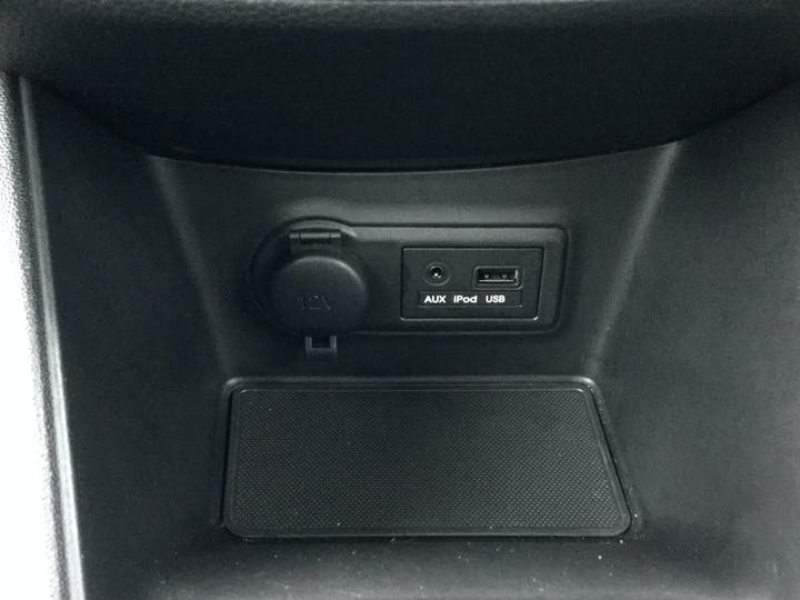 Kia Venga 1.6 3 Mpv 5dr Petrol Auto (123 Bhp) | DL17RRO | Photo 25