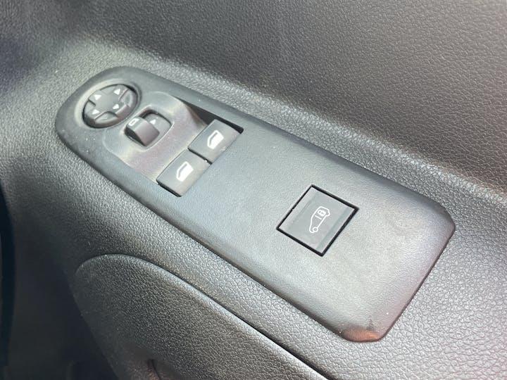 Vauxhall Combo 2000 1.6 Turbo D 1 00PS H1 Edition Van | DS19JDU | Photo 25