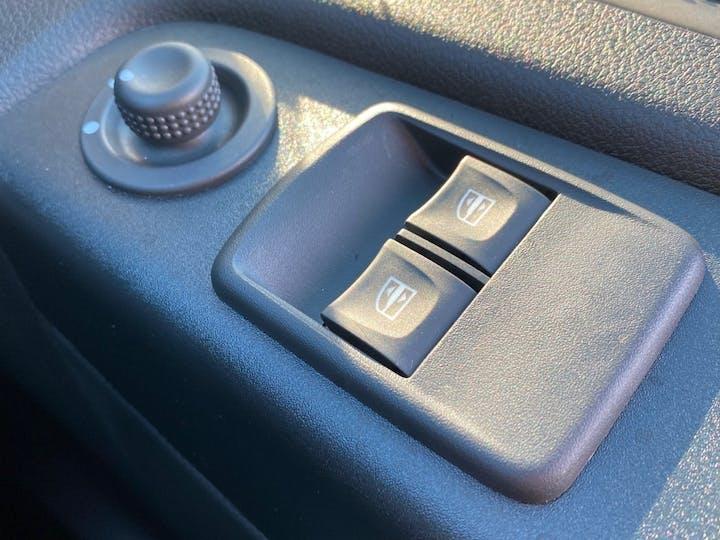 Renault Trafic 2.0 DCi Energy 30 Sport Nav Panel Van 5dr Diesel Manual LWB Standard Roof Eu6 (s/s) (120 Ps)   FV70KRD   Photo 25