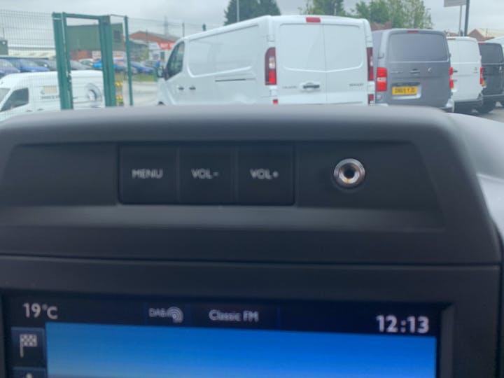 Peugeot Partner 1.6 Bluehdi Professional L1 Panel Van 5dr Diesel Manual SWB (112 G/km, 97.64 Bhp)   LS68ZNZ   Photo 25