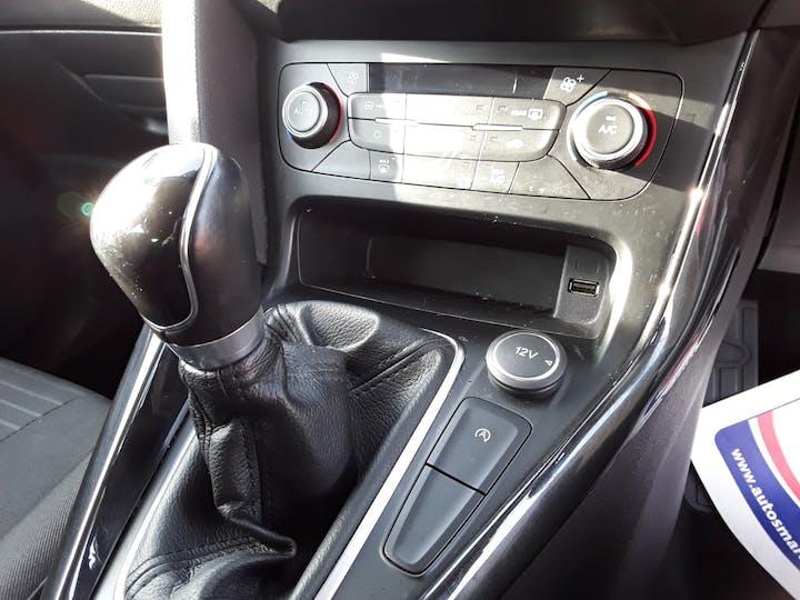 Ford Focus 1.0 Ecoboost Titanium 5dr | MD17AHO | Photo 25