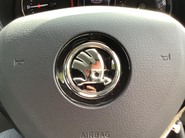 Skoda Fabia 1.0 Tsi SE Hatchback 5dr Petrol (s/s) (95 Ps) | MD18JVX | Photo 25