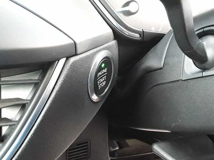 Ford Focus 1.0t Ecoboost Titanium Hatchback 5dr Petrol Manual (s/s) (125 Ps)   MD68YBJ   Photo 25