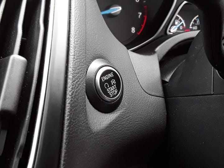 Ford Focus 1.0t Ecoboost St Line Hatchback 5dr Petrol (s/s) (140 Ps)   MF18JUA   Photo 25