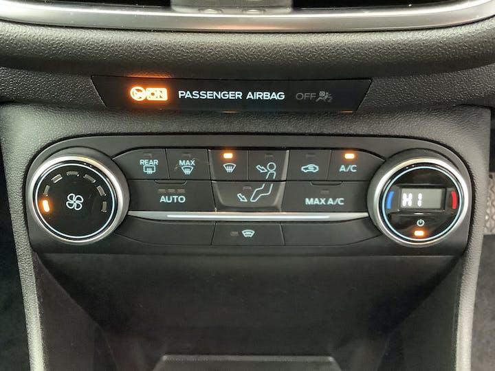 Ford Fiesta 1.0t Ecoboost Titanium Hatchback 3dr Petrol Manual (s/s) (100 Ps) | ML18XUW | Photo 25