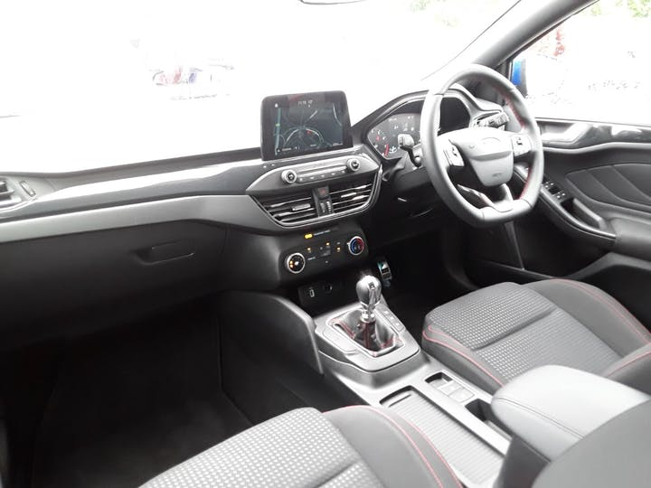 Ford Focus 1.0t Ecoboost St Line Hatchback 5dr Petrol Manual (s/s) (125 Ps)   MM69UHT   Photo 25
