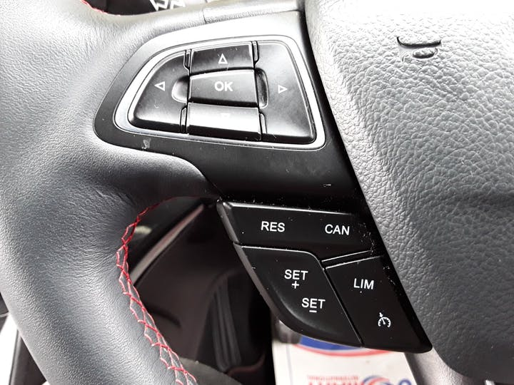 Ford Kuga 1.5 TDCi St Line SUV 5dr Diesel Manual (s/s) (120 Ps) | MJ68UST | Photo 26